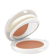 AVENE POUDRE COMPACTE SPF50 kompaktný make-up (svetlý odtieň) 10 g
